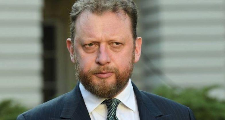 Koronawirus w Polsce. Minister zdrowia Łukasz Szumowski o przyłbicach