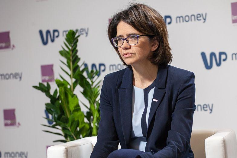 """Anna Streżyńska dla money.pl: """"Siedzę na Facebooku całymi nocami"""". Efekt? Nowy pomysł rządu"""