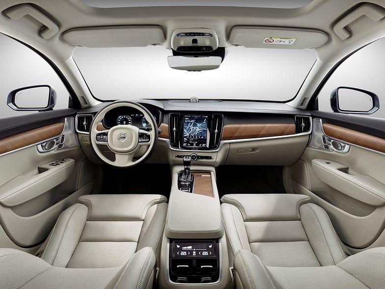 Volvo zabiera kierowcom kluczyki i rekrutuje rodziny. Nowy pomysł spodoba się w Polsce?