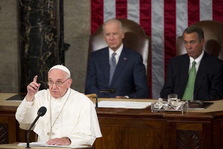 Papież przemawiał w Kongresie. Polityka nie może być niewolnikiem finansów i ekonomii