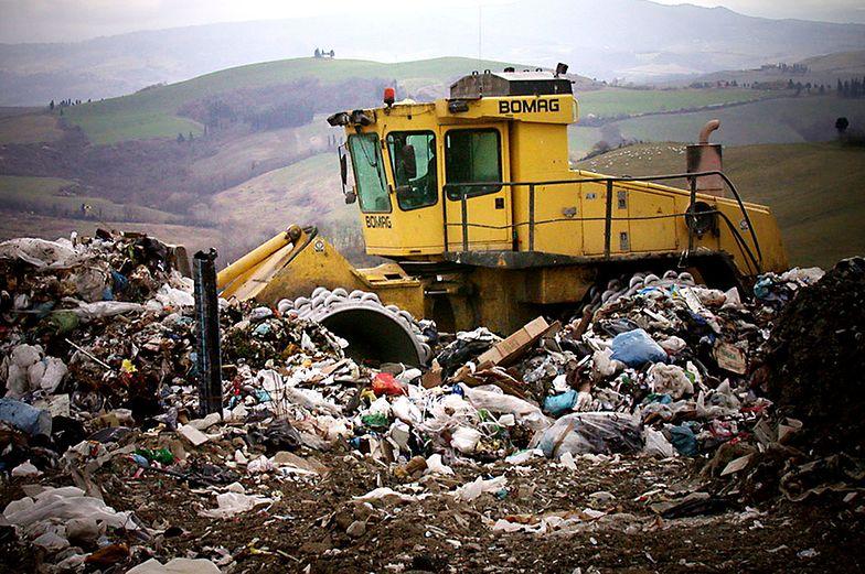 NIK krytycznie o skutkach ustawy śmieciowej. Przybywa dzikich wysypisk