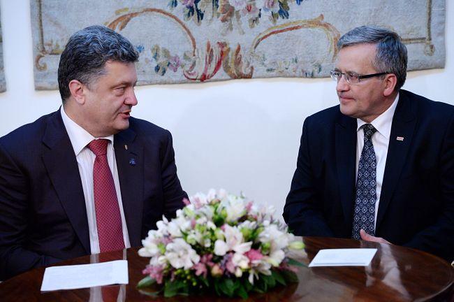 Komorowski rozmawiał z Poroszenką o sytuacji po zestrzeleniu samolotu nad Ukrainą
