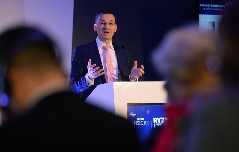 """Morawiecki chce uszczelnić podatki na 50 mld zł. Eksperci: """"to realne, ale za 10 lat"""""""