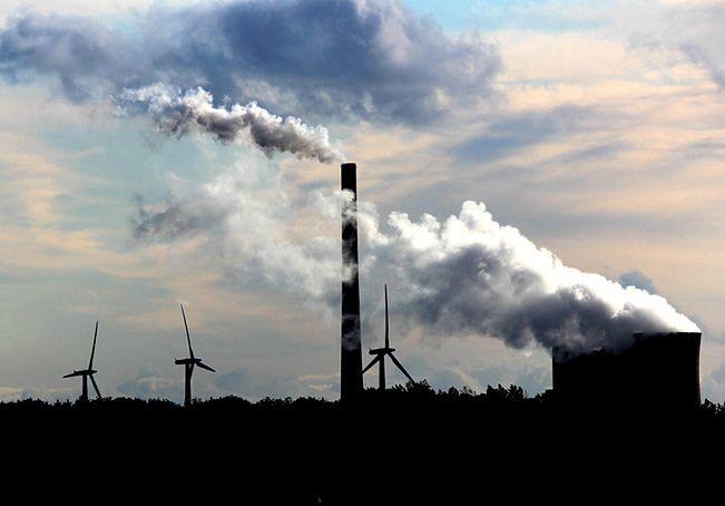Emisja CO2. Przez unijne przepisy podrożeje węgiel
