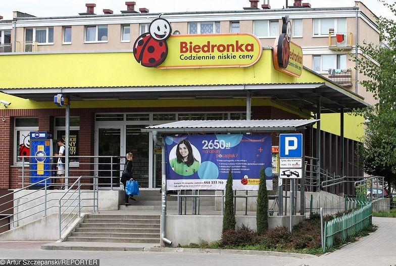 Sprzedaż nie rosła w Biedronce zbyt szybko. Przyczyną zakaz handlu