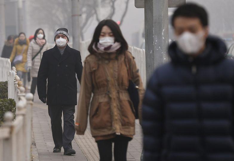 Smog w Chinach przekroczył wszelkie normy. Mieszkańcy się boją