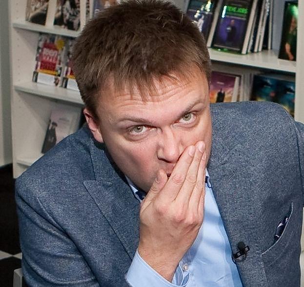 """Szymon Hołownia do Metropolity Białostockiego: """"Rozprawcie się najpierw z deprawacją i seksualizacją, którą prowadzili wasi obecni lub byli podwładni!"""""""