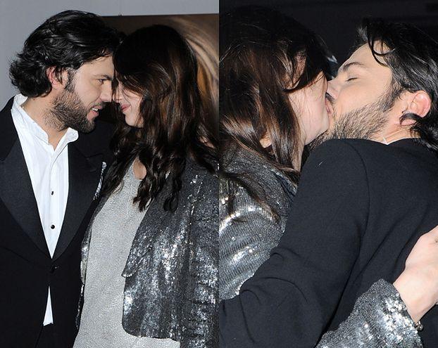 Pocałunek na pokaz? (FOTO)