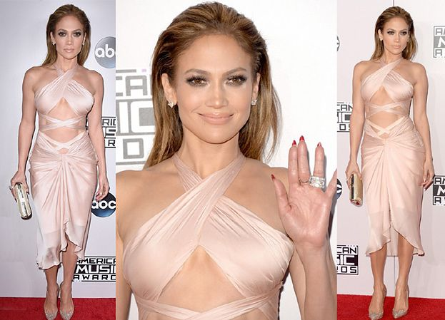 45-letnia Jennifer Lopez w świetnej formie! (ZDJĘCIA)
