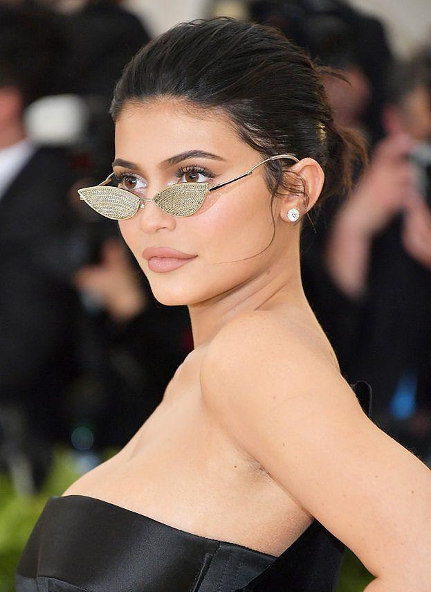 Halloween 2019. Kylie Jenner została Arielką i... króliczkiem Playboya! Kreatywne?