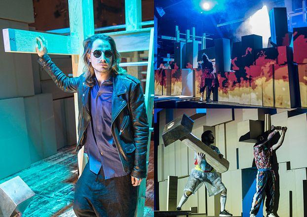 """Po """"Klątwie"""" czas na """"Wyzwolenie""""? Warszawski Teatr Studio już montuje krzyże na scenie..."""