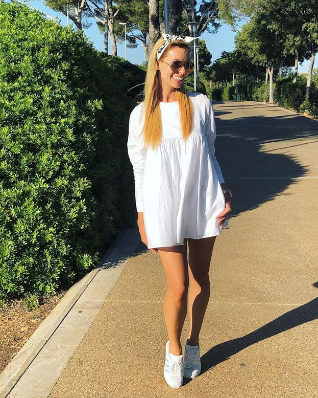 Jakie sportowe sukienki na lato noszą celebrytki?