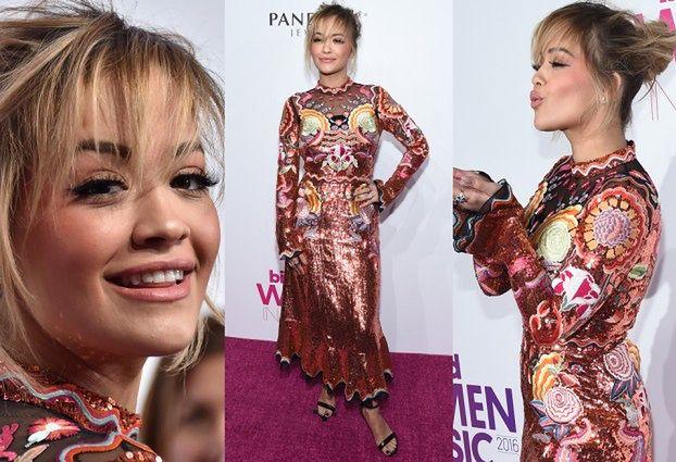 Rita Ora w błyszczącej sukience na gali w Nowym Jorku