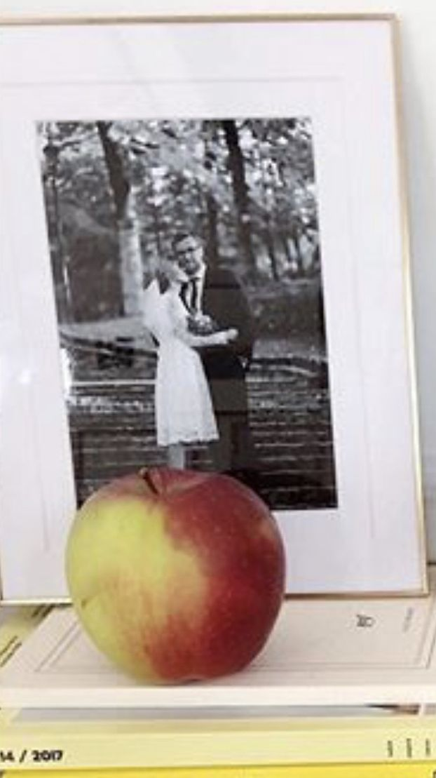CSI INSTAGRAM: Kasia Tusk PRZYPADKOWO pokazała zdjęcie ze ślubu. Miała krótką białą sukienkę