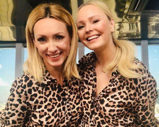 Podniecone Kalczyńska i Jastrzębska przeżywają, że założyły tę samą sukienkę. Która lepiej wyglądała? (SONDA)