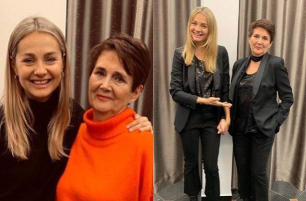 """Uradowana """"projektantka"""" Małgorzata Socha mierzy ubrania z mamą. Podobne?"""