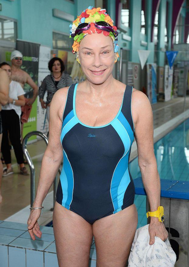 Potocka w czepku w kwiatki i zażenowany Banasiuk na Mistrzostwach Aktorów w Pływaniu... (ZDJĘCIA)