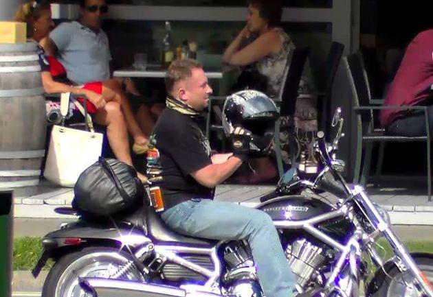 Pamiętacie? Kamil Durczok na Harleyu!