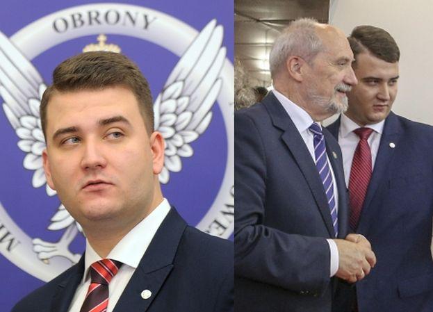 """Misiewicz przelewał na konto PiS-u... 30 ZŁOTYCH MIESIĘCZNIE! """"Korzystał też ze zniżki studenckiej"""""""