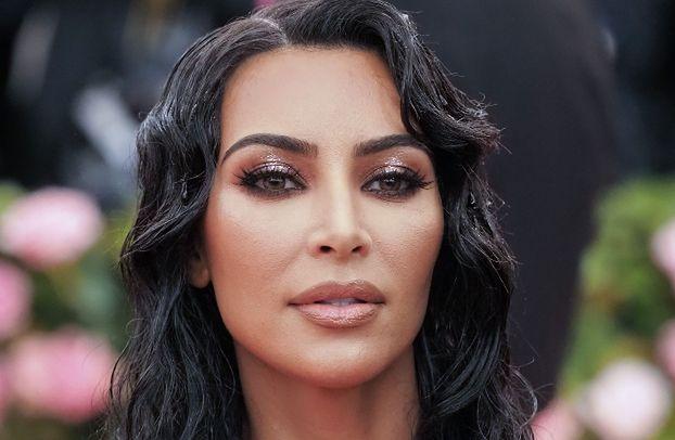 """Kim Kardashian bojkotuje noszenie naturalnych futer: """"Postanowiłam zlecić uszycie sztucznych odpowiedników moich ulubionych modeli"""""""