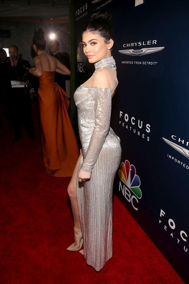 Kylie i Kendall Jenner na afterparty po gali rozdania Złotych Globów (ZDJĘCIA)
