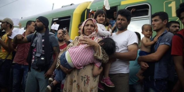 """Gowin: """"Powinniśmy przyjmować uchodźców, ale NIE MUZUŁMANÓW!"""""""