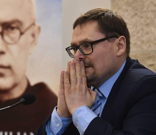 Po protestach uczniów w warszawskim liceum odwołano... REKOLEKCJE Z TERLIKOWSKIM!