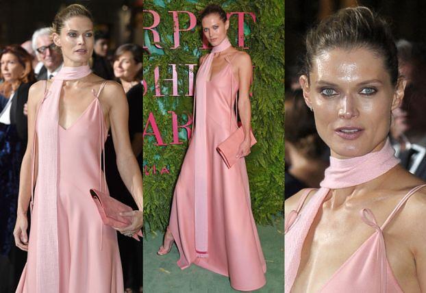 40-letnia Małgosia Bela w różowej kreacji na gali w Mediolanie. Piękna? (ZDJĘCIA)