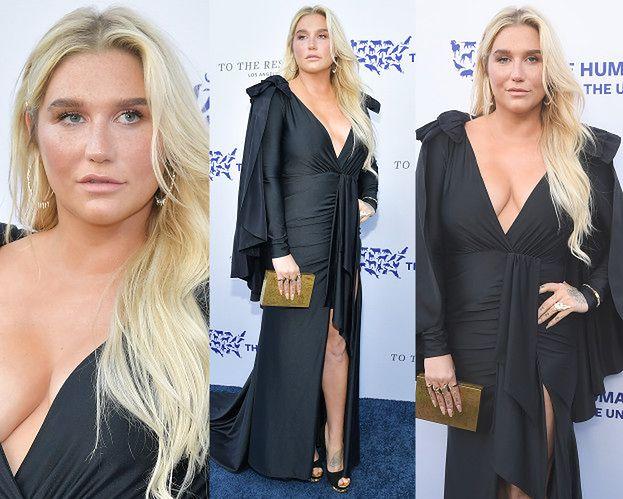 Wydekoltowana Kesha cieszy się z nagrody na charytatywnej gali