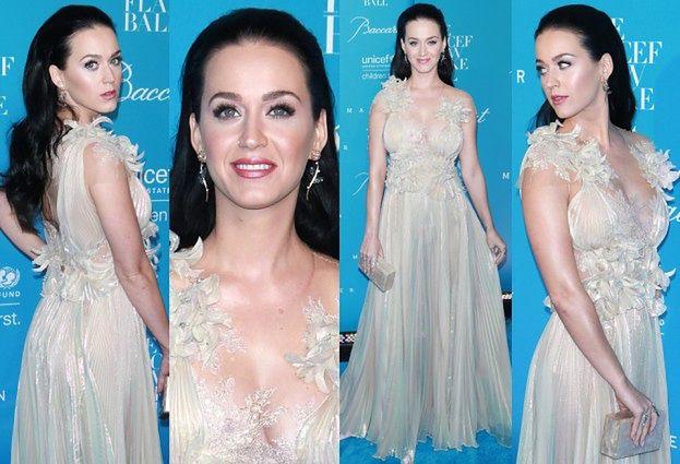 """Katy Perry w """"zimowej"""" sukni na balu w Nowym Jorku (ZDJĘCIA)"""
