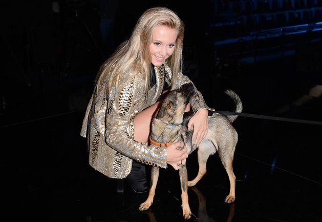 """Kasia Moś promuje program ze swoim psem. """"Adoptowałam go dzięki Joannie Krupie!"""""""