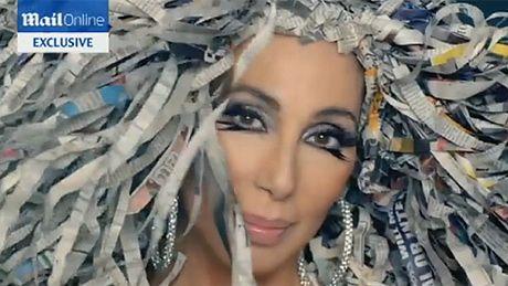 Cher wraca po 12 LATACH! Jak wygląda?