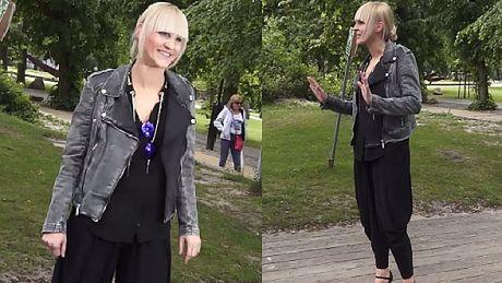 Modna i uśmiechnięta Chylińska pozuje do zdjęć