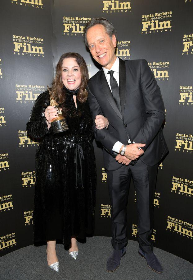 Cekinowa Melissa McCarthy cieszy się z nagrody na festiwalu filmowym