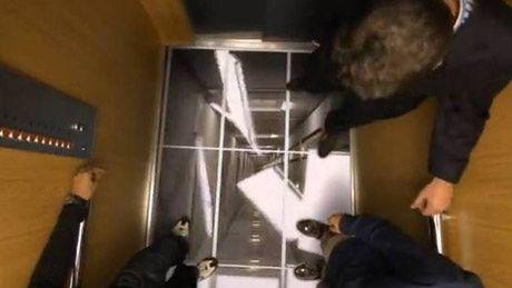 Telewizory jako... podłoga w windzie!
