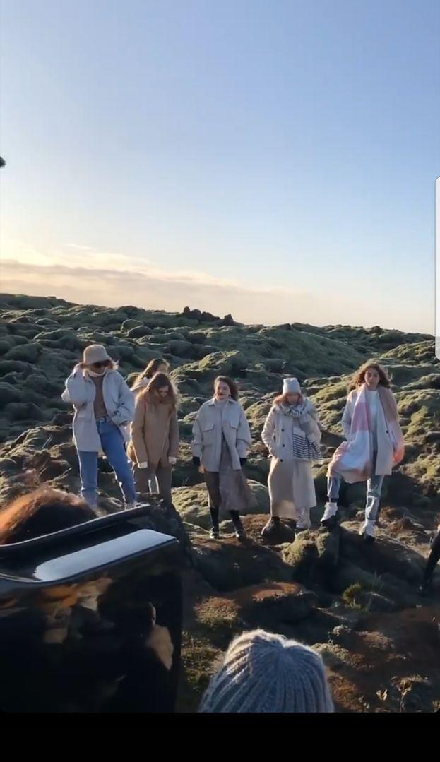 """Maffashion tłumaczy się z deptania islandzkiego mchu: """"WYSZŁO, JAK WYSZŁO"""""""