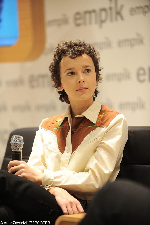 Monika Brodka z burzą loków na głowie promuje nową płytę (FOTO)