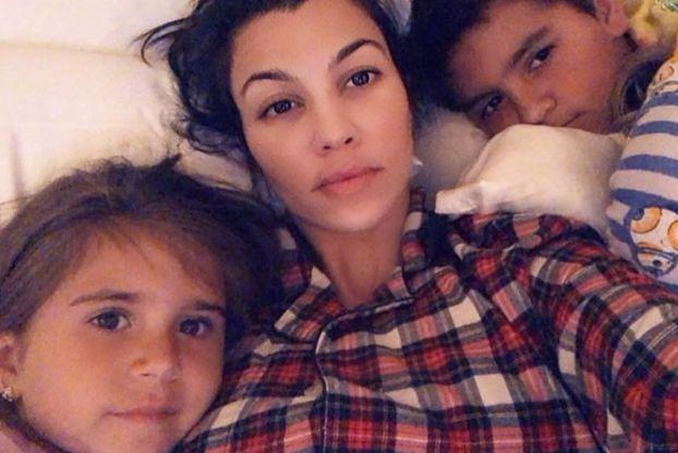 """Oburzona Kourtney Kardashian złożyła SKARGĘ w szkole swoich dzieci: """"Nie byłam zadowolona z podawanego jedzenia"""""""