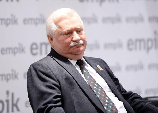 """Pawłowicz atakuje Wałęsę na Twitterze: """"Dość tego terroryzowania. Ekspertyza potwierdza, że podpisy """"Bolek"""" należą do niego!"""""""