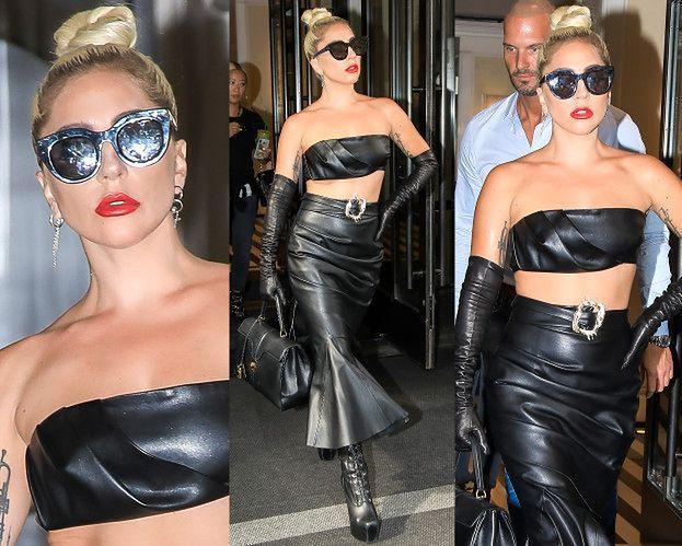 Przejęta Lady Gaga odsłania brzuch w skórzanej stylizacji