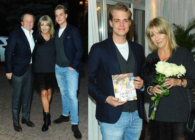 Mariola Bojarska-Ferenc promuje syna i męża na premierze książki. Przystojni? (FOTO)