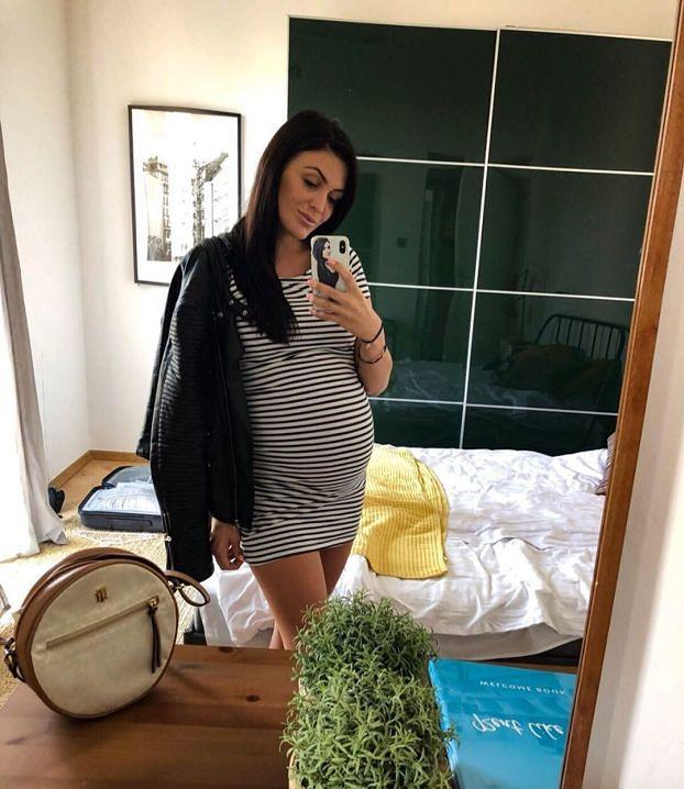 """Magda z """"Warsaw Shore"""" wyprawiła baby shower w restauracji sushi. Celebrytka ZDRADZIŁA PŁEĆ DZIECKA! (FOTO)"""