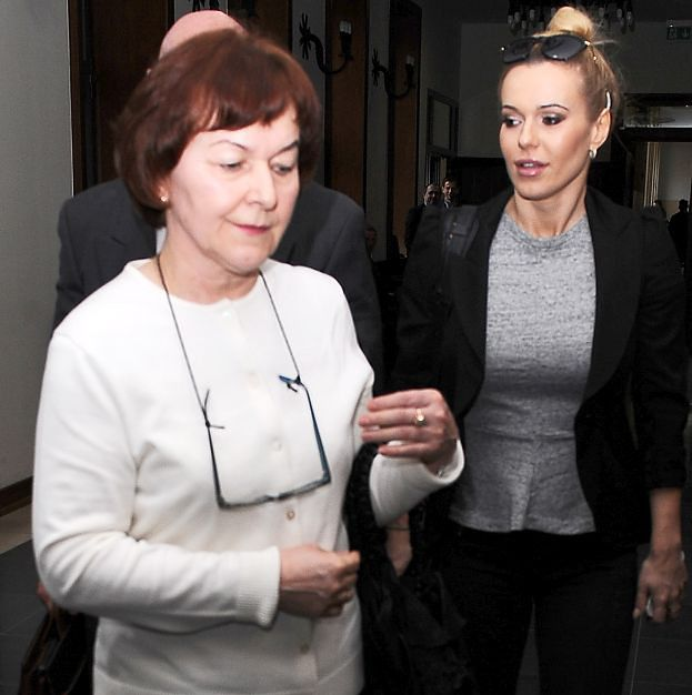 """Doda oskarża Szulim: """"Moi rodzice ciężko przeżyli jej newsy. MAMĘ ZAATAKOWAŁ NOWOTWÓR"""""""