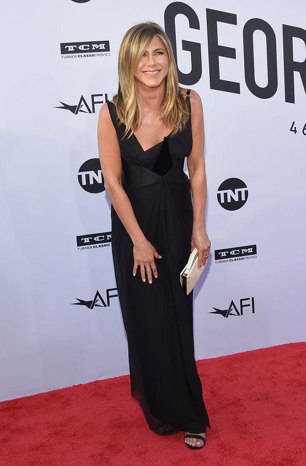 """Jennifer Aniston chwali się na Instagramie zdjęciem z dzieciństwa: """"Stylowa kiedyś i teraz"""""""