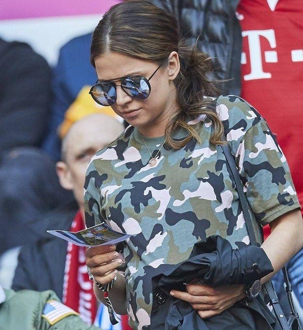 Lewandowska kibicuje mężowi na meczu Bayernu (ZDJĘCIA)