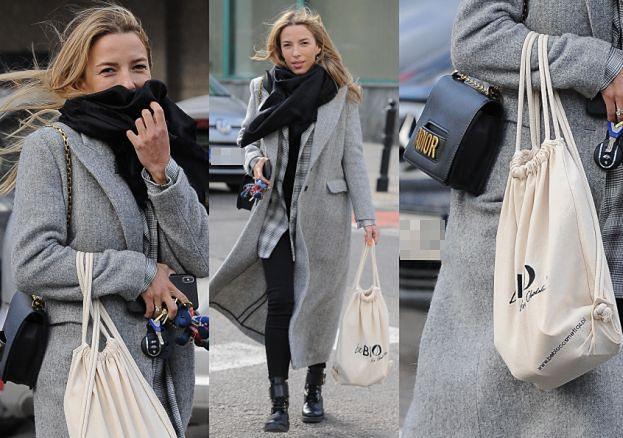Opatulona Chodakowska przemierza ulice z torebką za 10 TYSIĘCY (ZDJĘCIA)