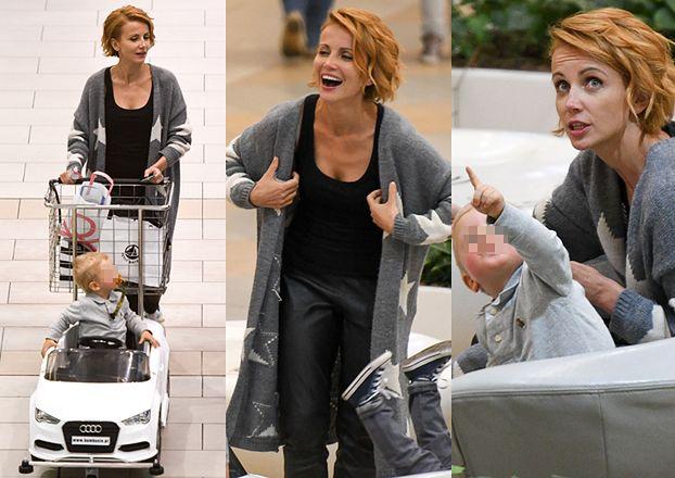Uśmiechnięta Zielińska na zakupach z synem (ZDJĘCIA)