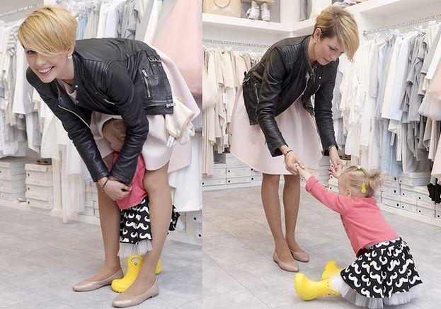 Dorota Gardias z córką w butiku...