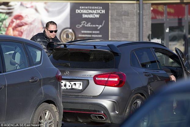 Kamil Durczok kupuje karton szampana (ZDJĘCIA)