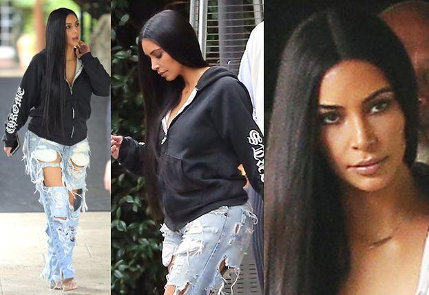 """Kim Kardashian wraca do """"normalnego życia""""… w podartych spodniach (ZDJĘCIA)"""